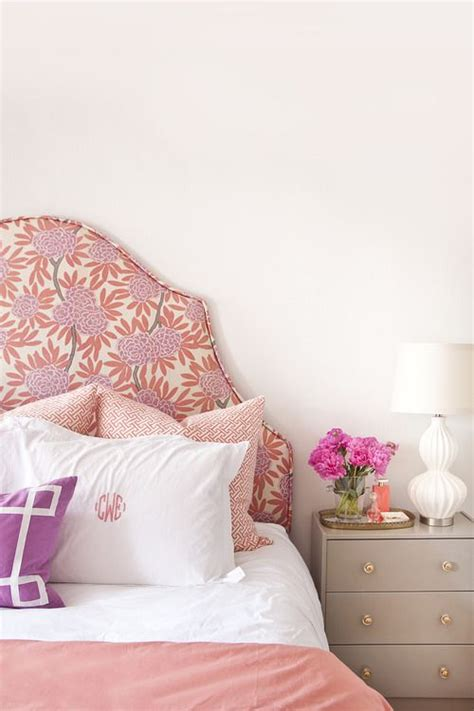 42 feminine headboards that create an ambience in a