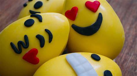 huevos decorados de emojis huevos de pascuas emojis matias chavero youtube