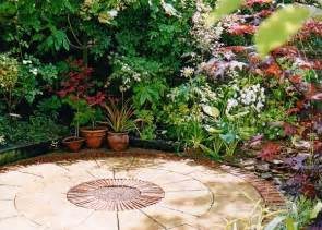 plushemisphere steps to create a comfortable a patio garden