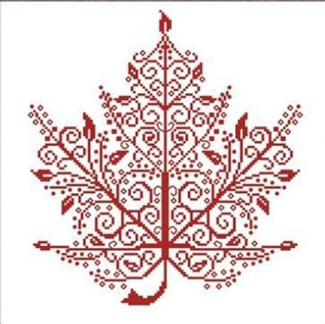 Pattern Maker Adelaide | maple leaf cross stitch chart monochrome aan alessandra