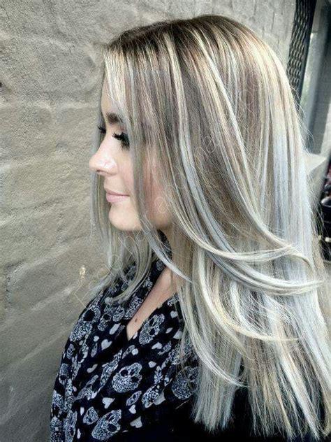 mechas ceniza intensa en cabello corto mechas en tono beige y cenizo moda pinterest mechas