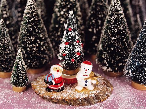 wallpaper on christmas theme free wallpaper free holiday wallpaper christmas theme