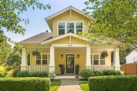 yellow exterior paint 25 best ideas about hawthorne yellow on pinterest