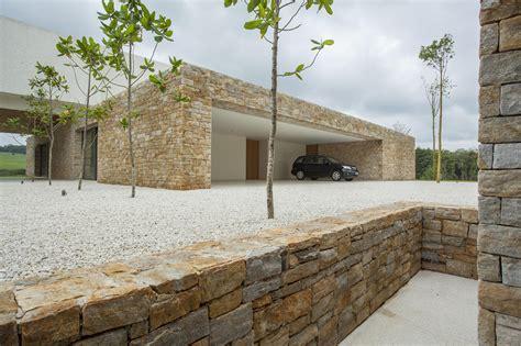 Maison Moderne Carré by Gallery Of Itatiba Residence Roccovidal P W 3