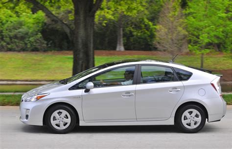 2010 toyota prius review review 2010 toyota prius ride drive