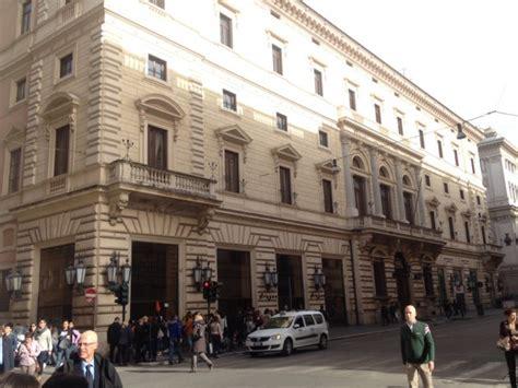 apple store porta roma l apple store pi 249 importante d italia sorger 224 in via