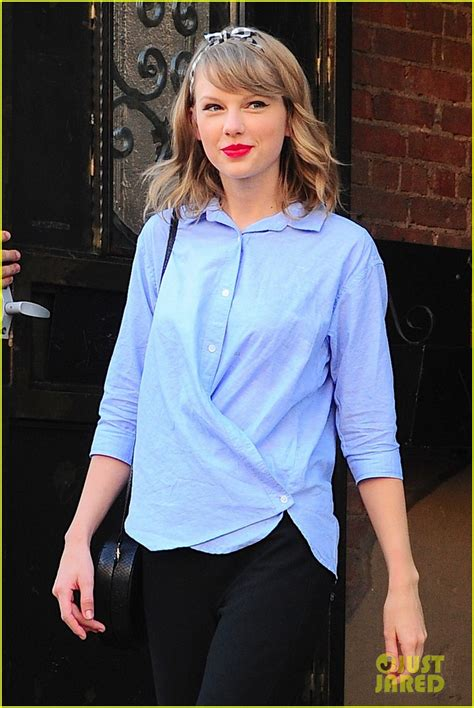 taylor swift and ina garten taylor swift shows off her impressive cooking skills in