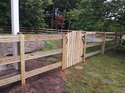 fences on wire fence fence and wood fences 19 best hog wire fences images on garden fences garden fencing and hog