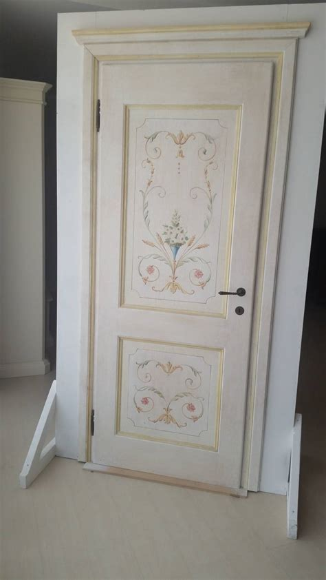 porte decorate a mano porta in massello decorata a mano porte a prezzi scontati