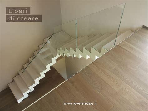ringhiera scala vetro scale a giorno di design in acciaio e vetro