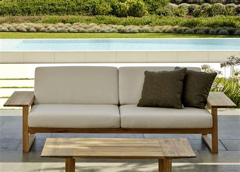 Outdoor Garden Sofas Uk by Lineal Garden Sofa Modern Garden Sofas Modern Garden