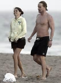 Owen Wilson Starsky And Hutch Beach Buddies Who S Bringing A Smile To Owen Wilson S