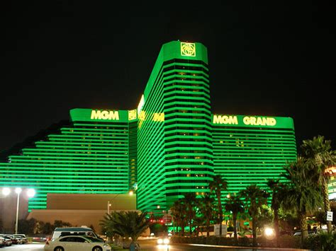 las vegas the grand the the casinos the mob the books mgm grand las vegas biggestcasinos co uk