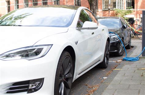 Tesla Model S Charging Cost We Tested The Tesla Model S P90d Quot Ludicrous Mode Quot The