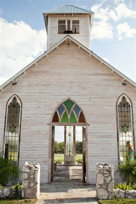 Top 10 Texas Wedding Venues: Gruene Estates ? An outdoor