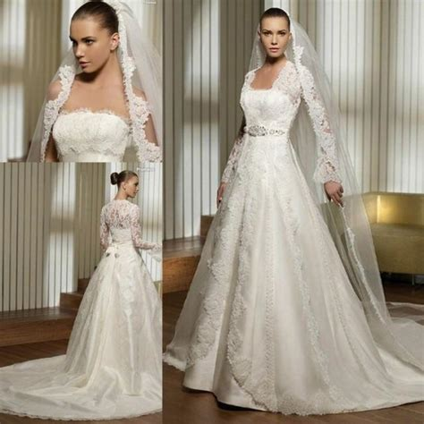 Babylon Dress Rising Size 2 strapless princess wedding dress with lace sleeves