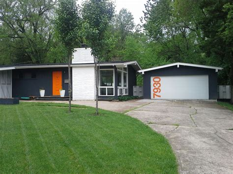 Mid Century Modern Ranch by A Colorful Mid Century Modern Ranch Home With A Customized