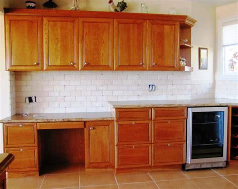 most popular kitchen cabinet color 17 most popular kitchen cabinet colors for 2015