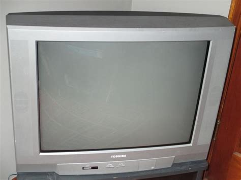 Tv Toshiba 29 Inch Second 27 inch toshiba tv w remote stand esquimalt view royal