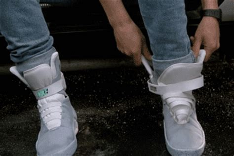 Sepatu Nike Air Mag nike air mag power laces are real hypebeast