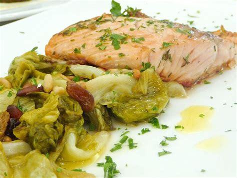 cucinare trancio di salmone corso cucina trancio di salmone scottato con erbe