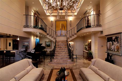 Two Story Penthouse Apartment In Lavish 3 Level Penthouse In Houston Tx Homes Of The Rich