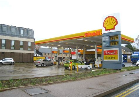 shell garage trumpington 136 9 per 169 logomachy cc by