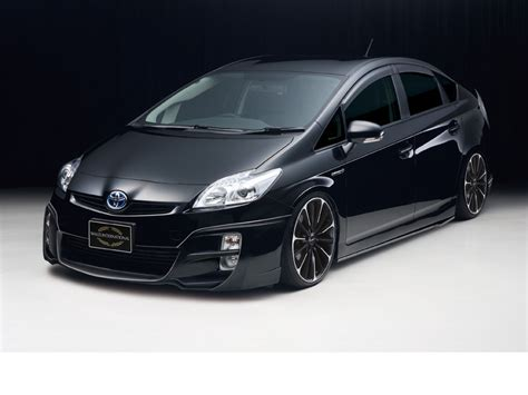 Sporty Toyota Wald International Makes The Toyota Prius Sporty Car Tuning