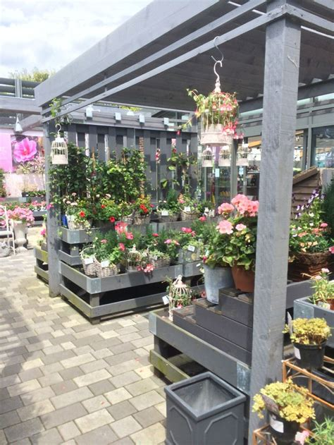 Garden Centre Decorations by 17 Best Images About Outdoor Garden Centre Displays On