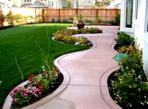 Cool Front Yard Home Landscaping With Green Grass And Back Yard Garden Ideas