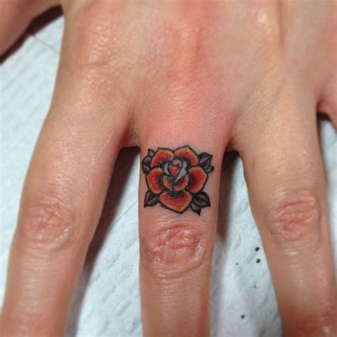 rose ring tattoo 25 best ideas about traditional tattoos on
