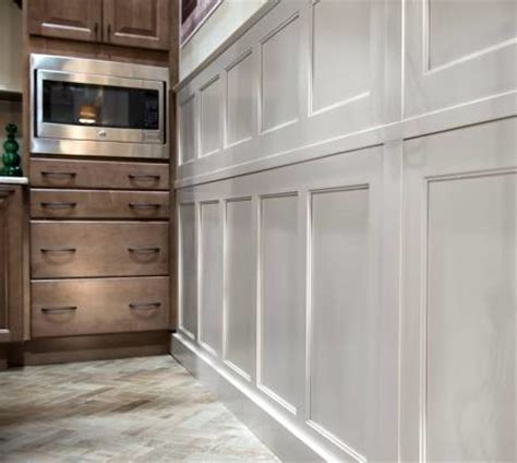 wainscoting kitchen cabinets winslow maple wainscoting finish from color inspire