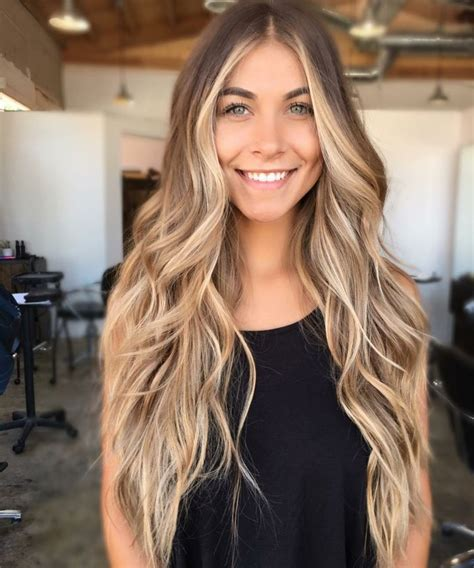 ombre blond lang haar straehnchen junge frau frisuren