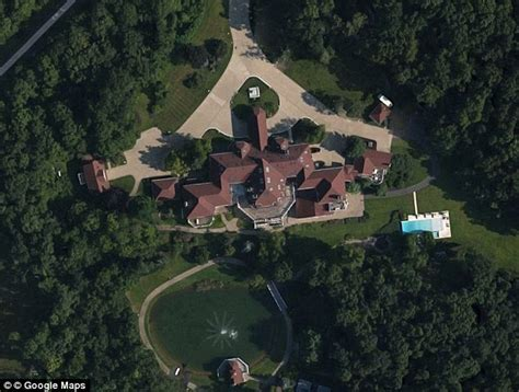 casa 50 cent 50 cent s mansion costs 70k a month to maintain and