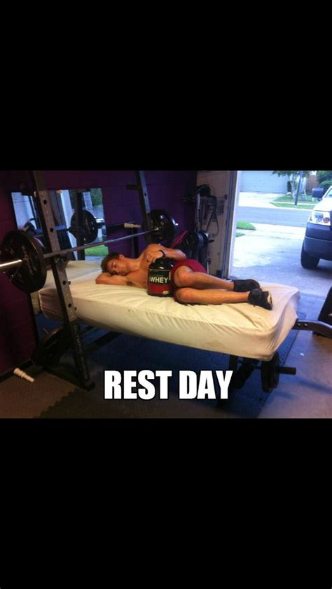 Gym Rest Day Meme - rest day lol funny gym stuff pinterest