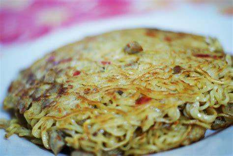 membuat omelet dari indomie just raniari omelet mie