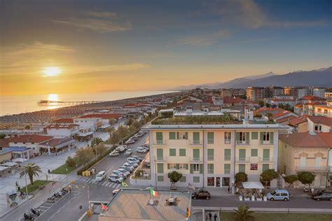 Lido di Camaiore: luxury apartments for sale Lido di Camaiore Versilia, valuable properties in