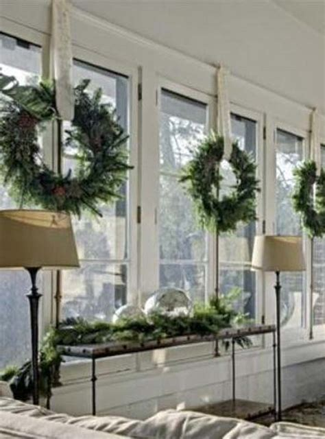 how to decorate your windows 30 insanely beautiful last minute christmas windows