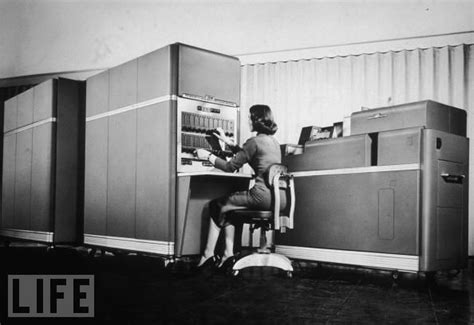 фотографии компьютеров и комплектующих