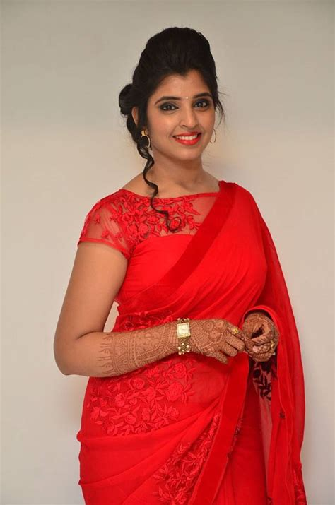 global pictures gallery syamala anchor glamourous spicy traditional saree