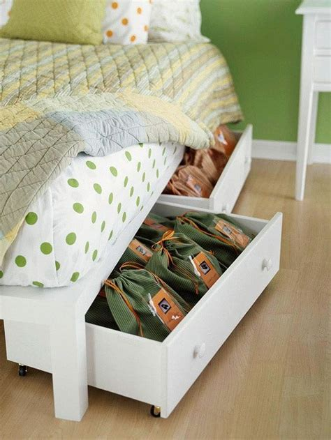 Throwing Out A Mattress by 17 Best Ideas About Roll Away Beds On Roll Out