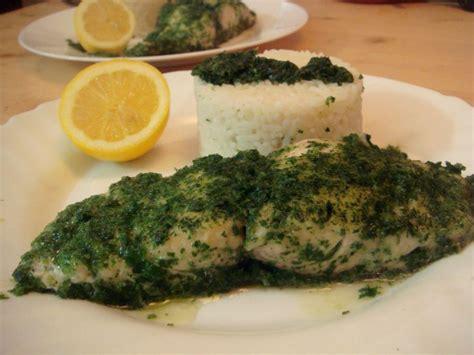 comment cuisiner une daurade salade de roquette saumon cru concombre et mangue sauce
