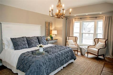 Joanna Gaines Bedroom Decorating Ideas by Fixer Country Style In A Small Town Joanna