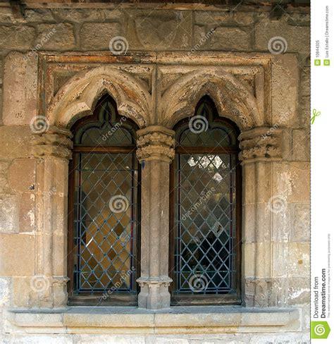 imagenes ventanas goticas ventanas g 243 ticas foto de archivo libre de regal 237 as