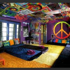 Stoner Home Decor 1000 Ideas About Stoner Room On Pinterest Stoner Bedroom Hippie Bedrooms And Black Light Room