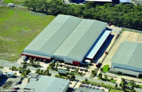 amazon jobs australia amazon prepares to open first australian warehouse daily