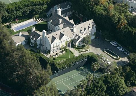 tom cruise mansion prowler busted at tom cruise s home ny daily news