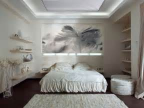 Bedroom Wall Decor Ideas by How To Use Art In The Bedroom Decor