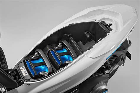 Pcx 2018 Change by Honda Worldwide Ces 2018 Pcx Electric