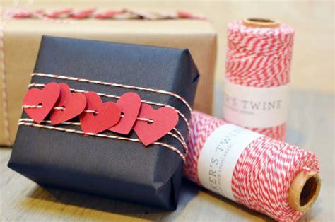 heimarbeit verpacken zu hause 109 weihnachtliche ideen zum geschenke verpacken